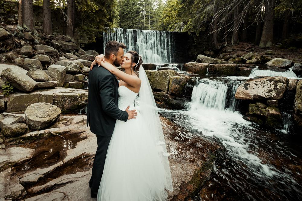 sesja ślubna wodospad